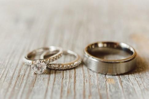 Chọn nhẫn đính hôn chớ quên phong thủy