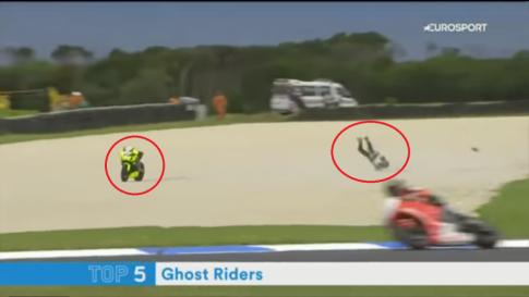 [Clip] Sốc với những chiếc xe đua bị ma ám