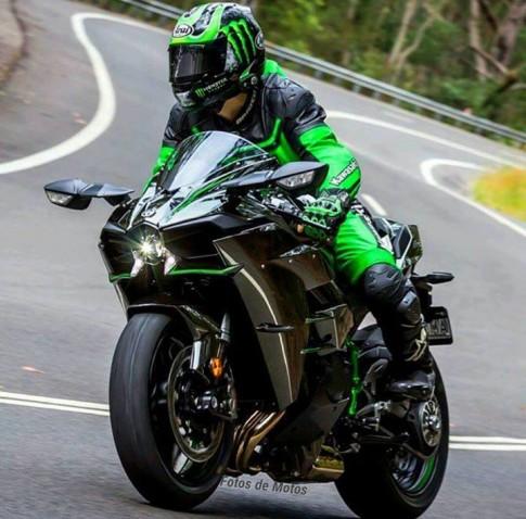 [Clip] Sức mạnh của Kawasaki Ninja H2 qua màn test tốc độ siêu đỉnh