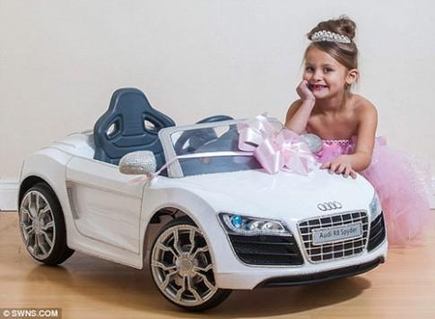 """Cô bé """"siêu chảnh"""" nước Anh tặng Audi kim cương làm từ thiện"""