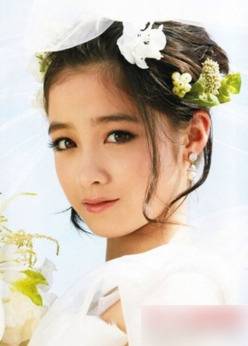 Cô dâu Nhật Bản 16 tuổi xinh đẹp gây 'sốt' mạng