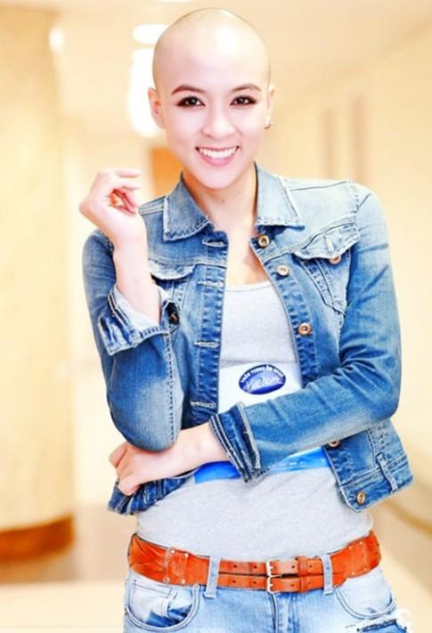 Cô gái cạo đầu trọc gây 'sốt' Vietnam Idol 2015