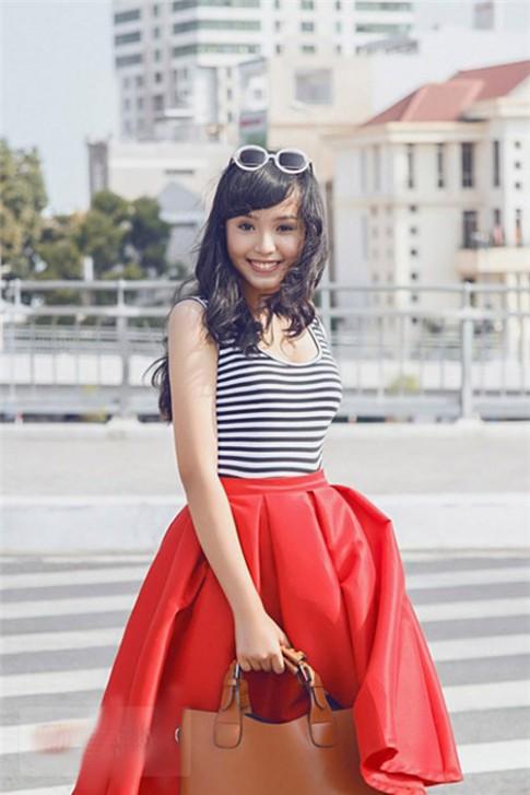 Đa phong cách áo ba lỗ của sao Việt