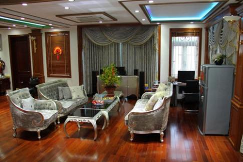 Đầu năm soi nhà 100 tỷ của Trang Nhung