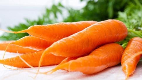 Đẹp da, óng tóc nhờ cà rốt