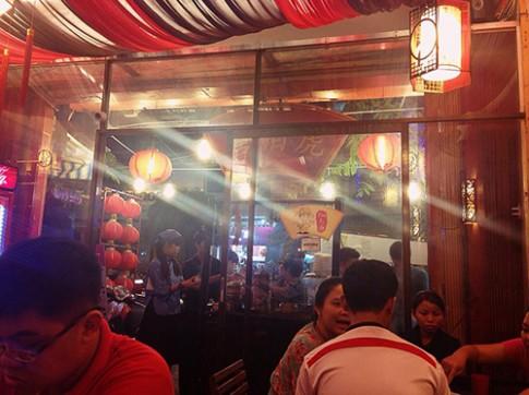 Đi ăn chè Hongkong kiểu... kiếm hiệp ở Quận 5