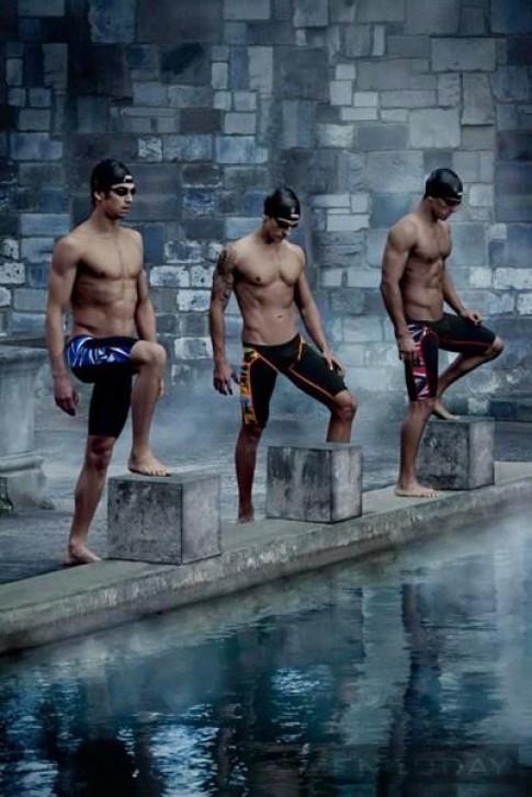 Đi bơi với quần bơi nam Funky Trunks