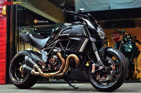Ducati Diavel độ khủng giữa dàn đồ chơi hàng khủng