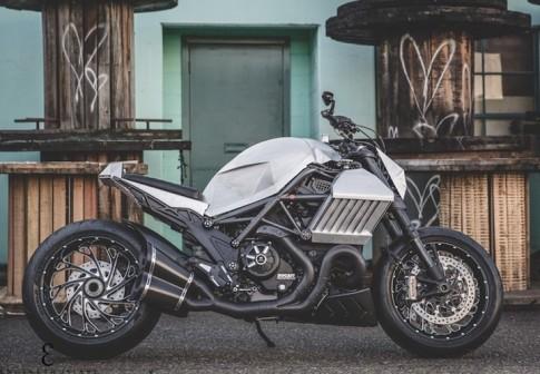 Ducati Diavel phiên bản chiến binh giáp sắt