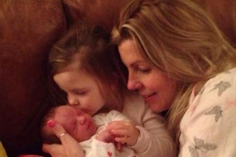 Em bé sinh ra với sứ mệnh cứu sống chị gái 3 tuổi