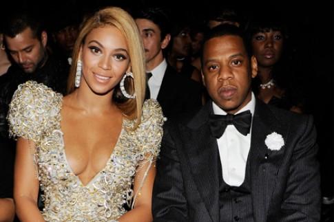 """Eva """"soi"""" 30/7: Vợ chồng Beyoncé bí mật ly thân?"""