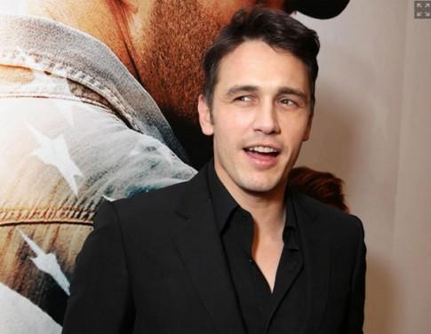 """Eva """"soi"""" 4/4: James Franco bị tố gạ tình teengirl"""