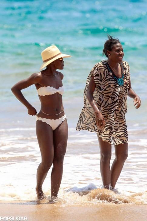 "Eva ""soi"" 6/6: Lupita Nyongo khoe da đen bóng"