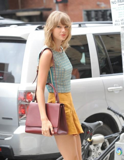 """Eva """"soi"""" 7/8: Taylor Swift đẹp từng góc cạnh"""
