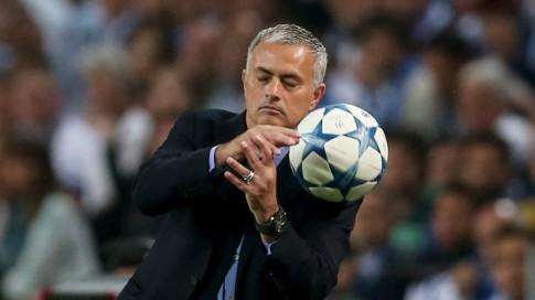 """HLV Mourinho: """"Tôi không hiểu báo chí lấy đâu thông tin về bản hợp đồng giữa tôi và Man Utd"""""""