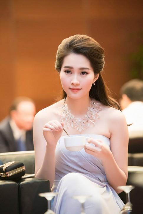 Hoa hau Dang Thu Thao xinh nhu tien nu giang tran