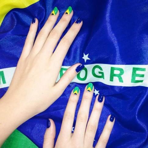 Hòa vào World Cup với mẫu nail 'siêu' đẹp