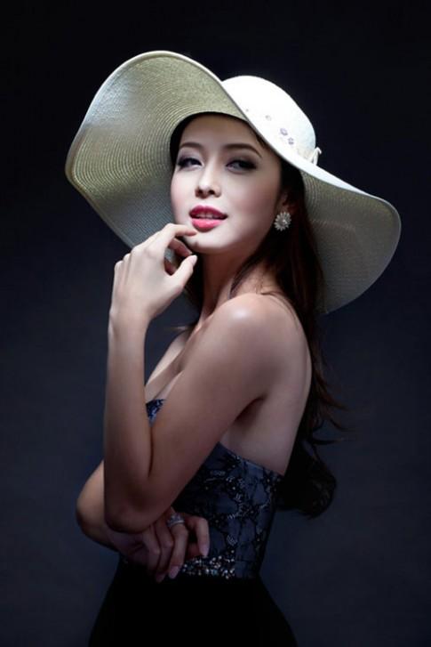 Học sao Việt cách chống nắng bảo vệ da