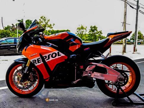 Honda CBR1000RR Repsol độ cực chất của Superbike
