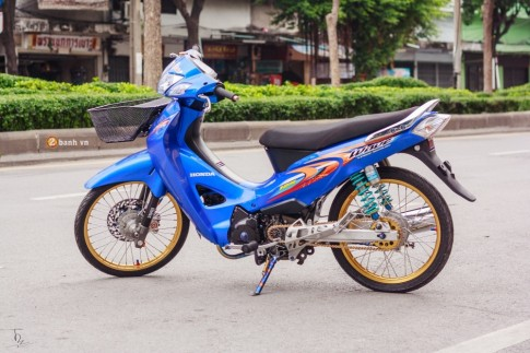 Honda Wave 125 do day sang chanh tai Thai Lan