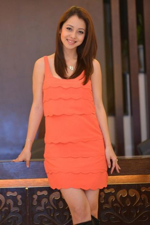 Jennifer Pham 'xinh nhu hoa' voi dam ngan