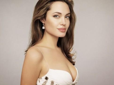 Không thể tin nổi đây từng là người phụ nữ đẹp nhất thế giới