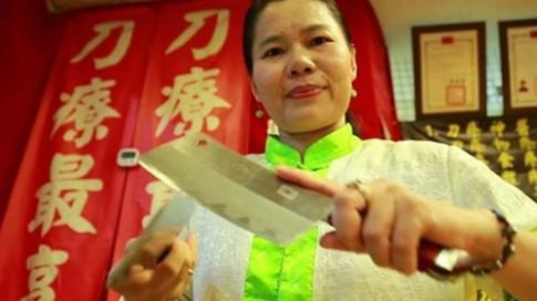 Lạ lùng giảm cân bằng dao ở Đài Loan