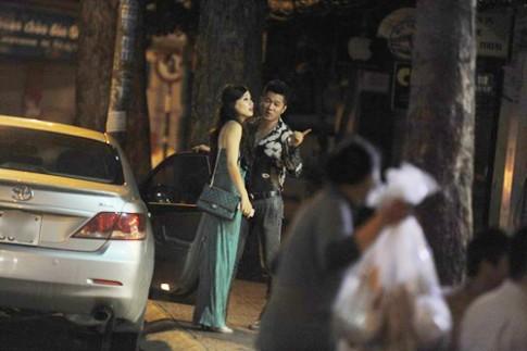 Lâm Vũ bị bắt gặp hẹn hò hotgirl Mi Trần