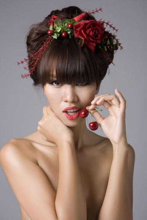 Loạn nhịp tim với vẻ đẹp hoang dã của siêu mẫu Hà Anh