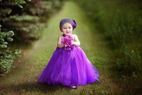 Loạt ảnh 'đẹp như Tây' bố Việt chụp con gái 19 tháng tuổi