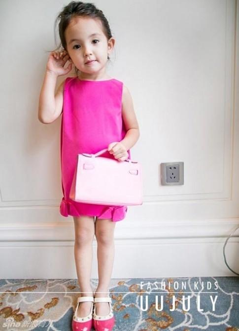 """Loạt váy cho bé khiến các bà mẹ """"phát sốt"""" vì quá đẹp"""