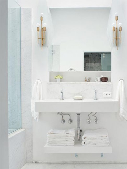 Mẹ Tây bày chiêu khiến phòng tắm cực sạch