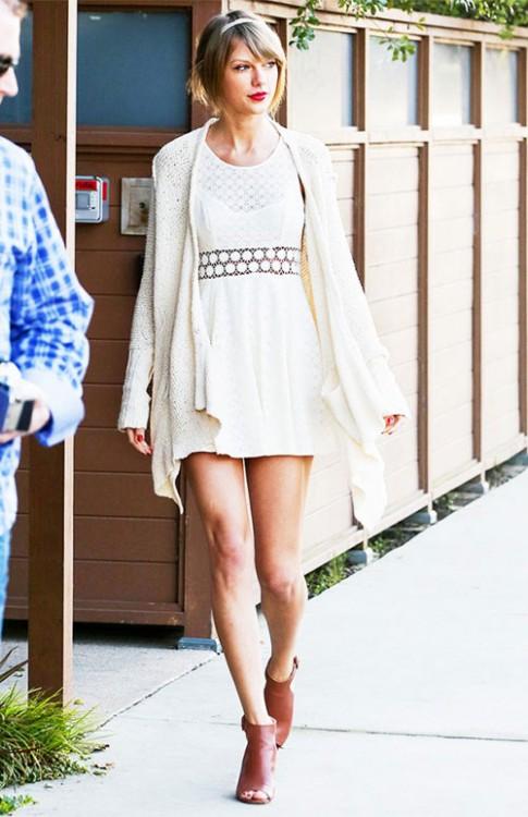 Mẹo mặc đồ rẻ nhưng xịn như hàng hiệu của Taylor Swift