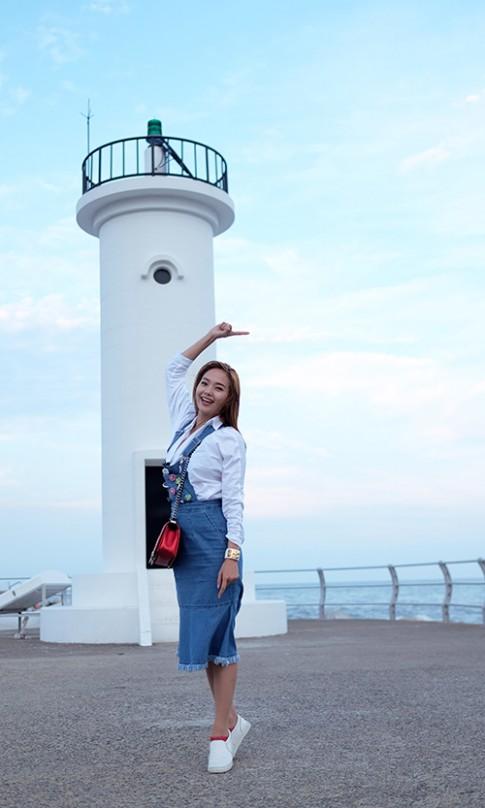 Minh Hằng tươi xinh như hoa tại Hàn Quốc