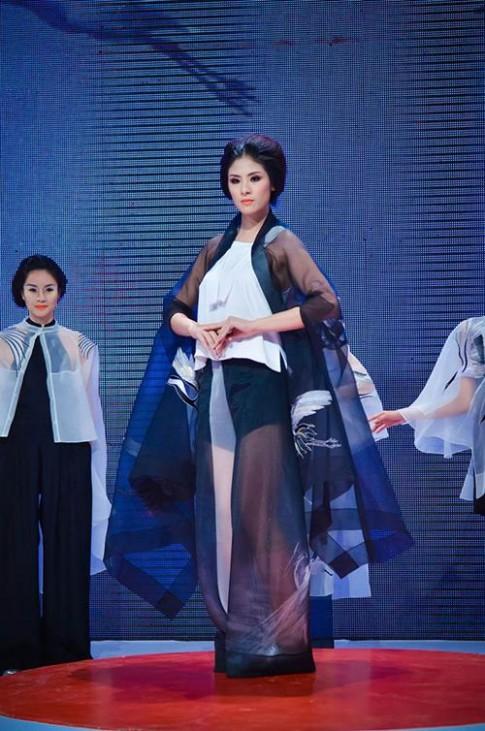 Minh Hạnh 'trùng ý tưởng' với NTK trẻ
