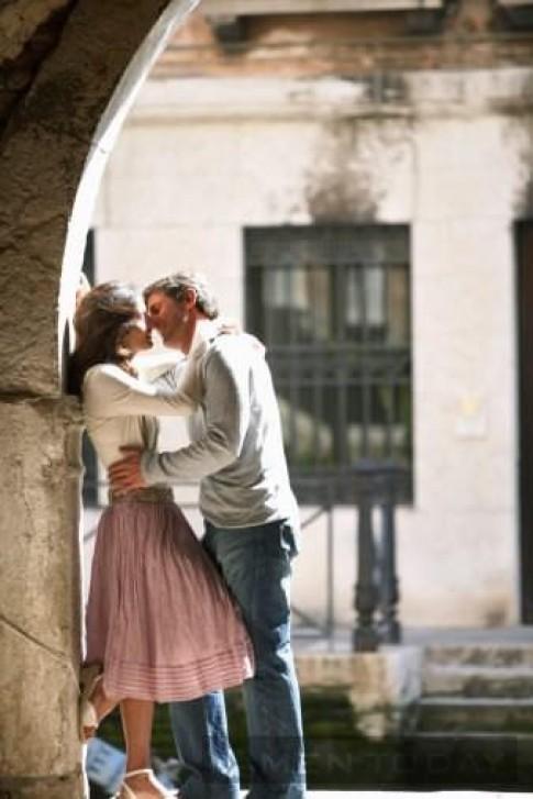 Một nụ hôn hơn ngàn lời nói, tin không?