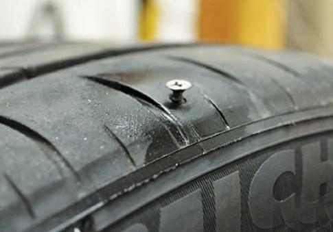 Nên tập cho mình thói quen kiểm tra áp suất lốp, tối thiểu 1 lần/tháng