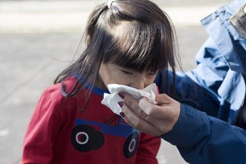 Nghe mẹ Việt ở Tây kể chuyện trẻ nước ngoài bị cảm lạnh
