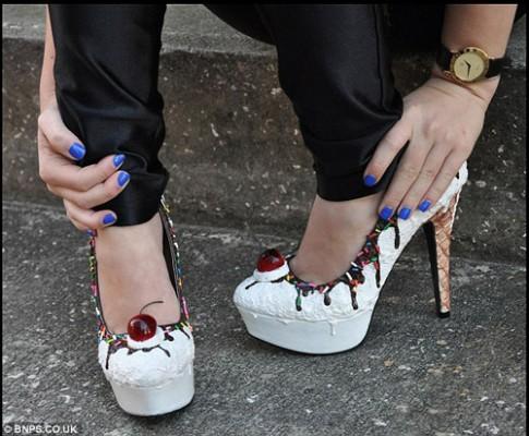 Ngỡ ngàng giày... ngon như bánh