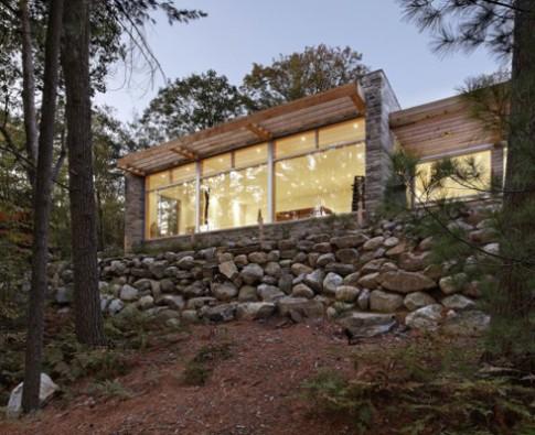 Nhà xinh ẩn trong rừng ở Canada
