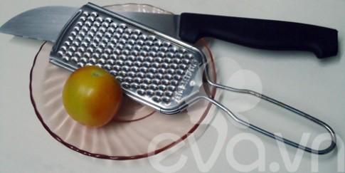 Nhật ký Hana: Cà chua lột nhẹ da mặt