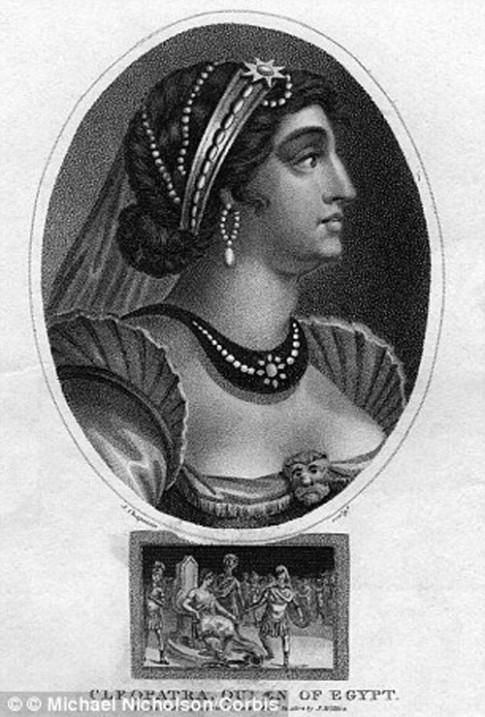 Những bí quyết làm đẹp 'kỳ dị' của nữ hoàng cổ đại