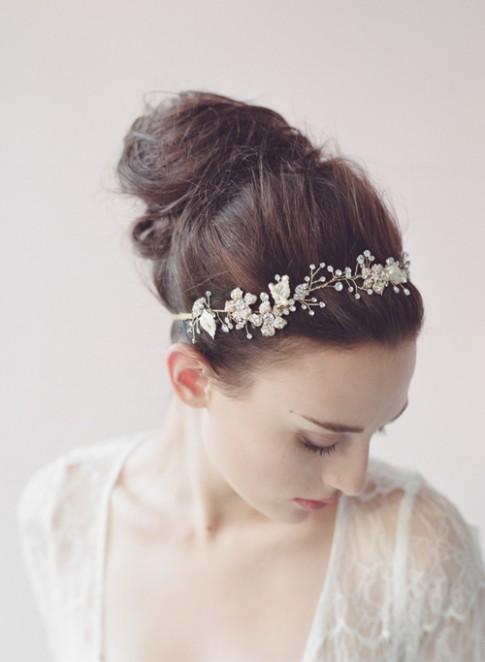 """Những kiểu tóc đẹp mê ly """"cứu cái nóng"""" cho cô dâu mùa hè"""