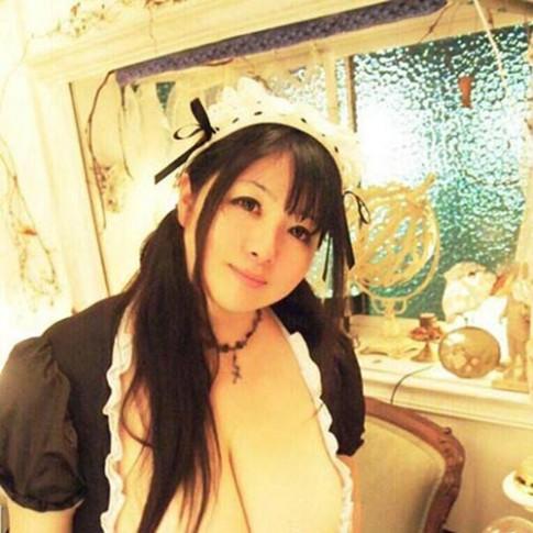 Nỗi khổ của cô gái Nhật có bộ ngực khủng