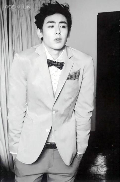 Phong cách thời trang cuốn hút của 'hoàng tử Thái' Nichkhun