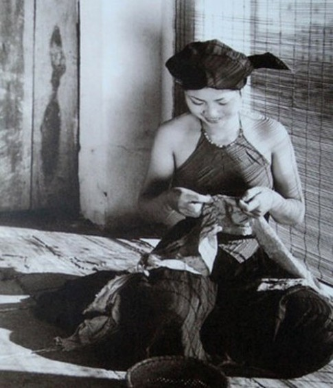 Phụ nữ Việt xưa làm to vòng 1 thế nào?