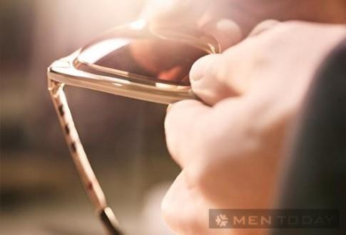 Quy trình sản xuất kính mắt của Burberry