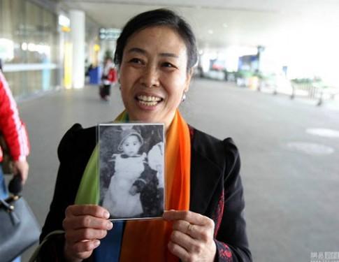 Rơi lệ với cậu bé bị bắt cóc 25 năm được tìm thấy