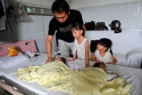 Sản phụ tử vong, chồng và 4 con sống 1 tháng trong bệnh viện
