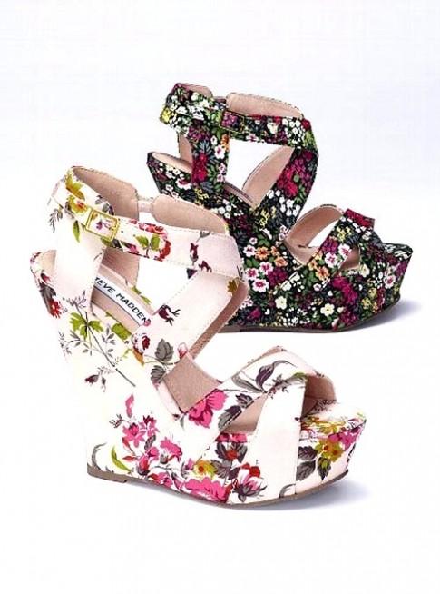 Sandal cho mùa đi biển